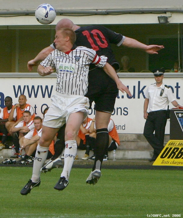 (c) www.DAFC.net Photographs can be requested from photos@dafc.net  Hartson and Shields  (WestBrom_25Jul2006_Shields_Hartson.jpg)